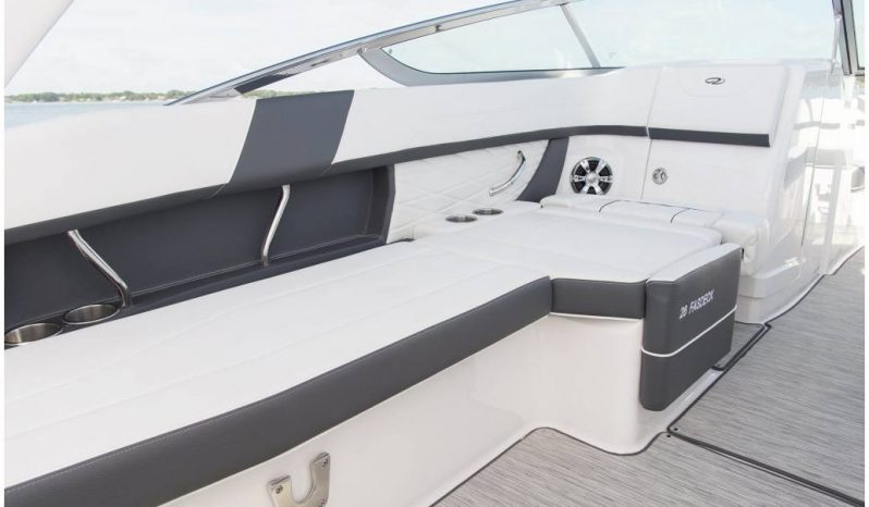 Regal 26 FasDeck full